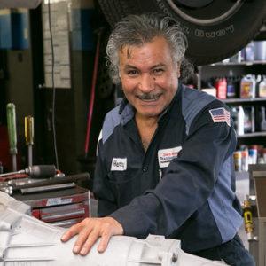 Henry Villanueva, Installer